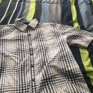 Size large short sleeve button up